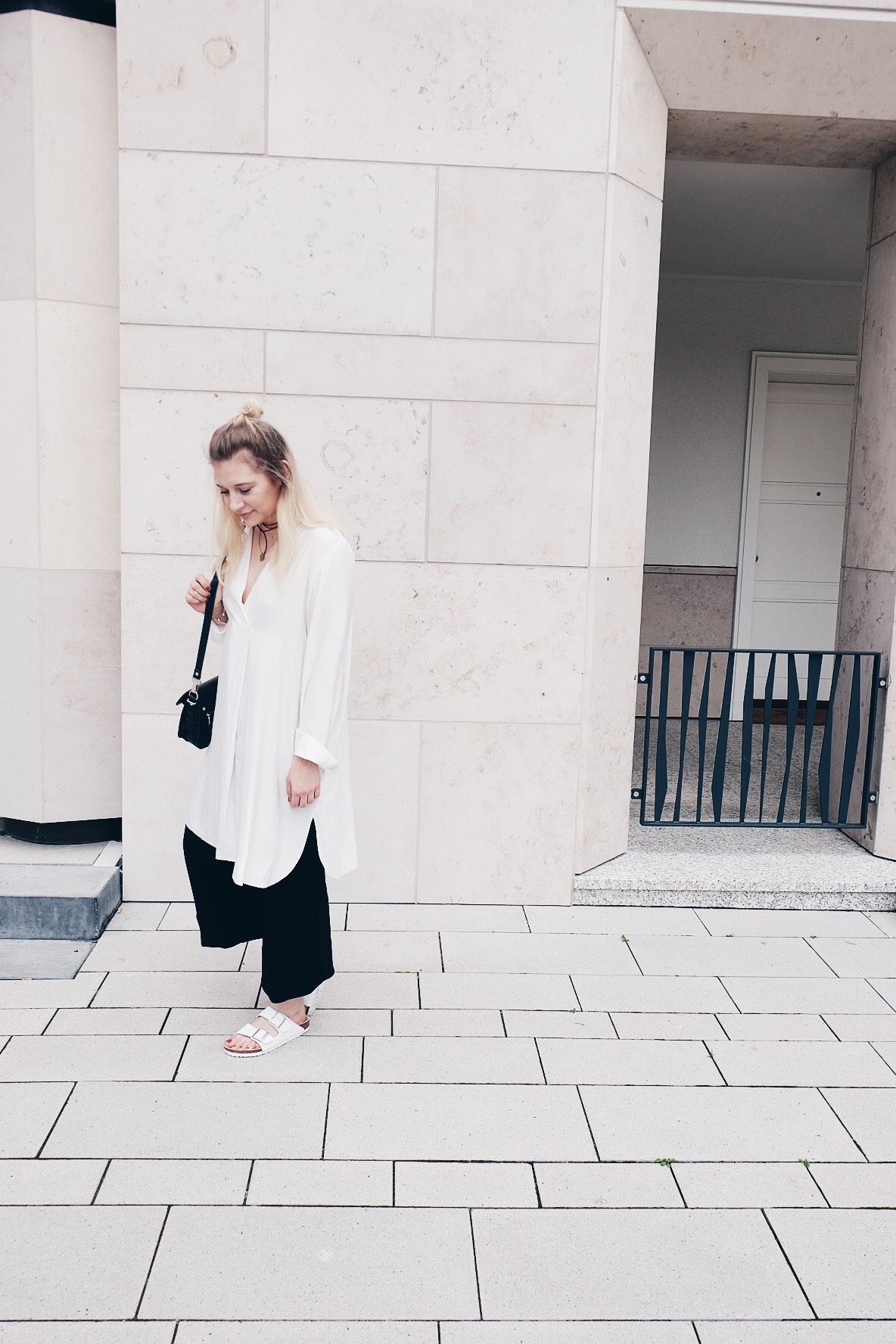 Blogger, Outfit, Black and White, Birkenstock, Layering, Minimalism, Samsoe Samsoe, Weekday