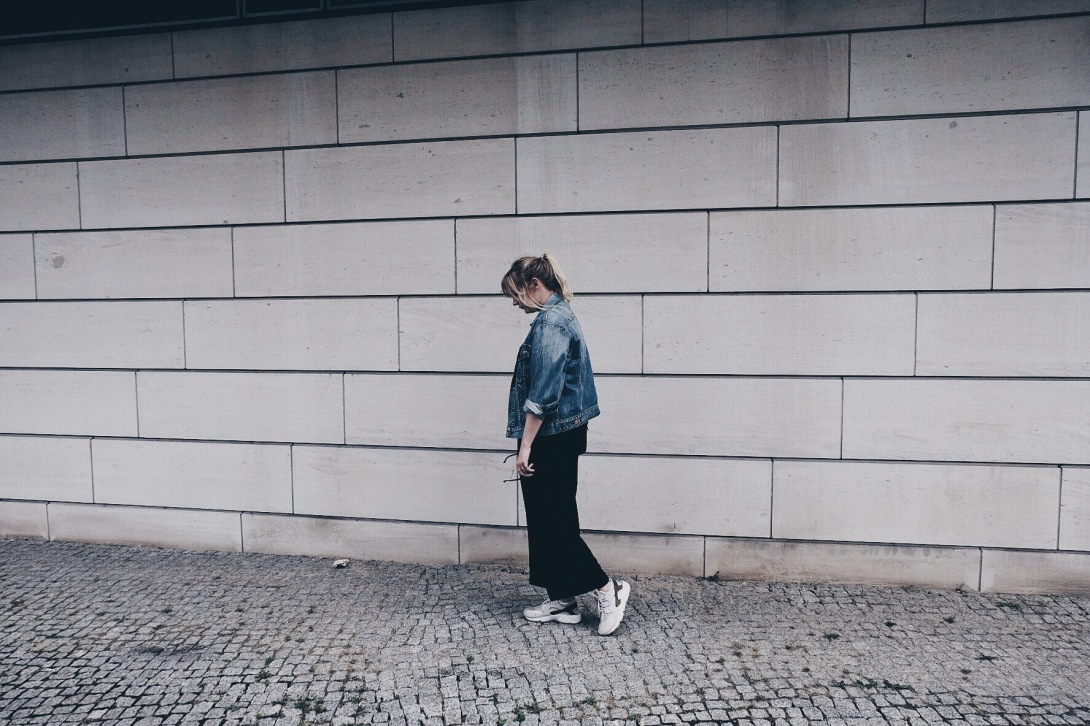 Everyday Look Outfit Girl Jeans Jacket Nike Huarache